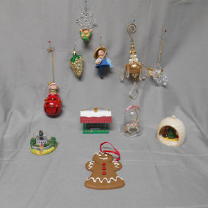 Lot of 11 misc Christmas tree ornaments